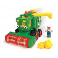 WOW Toys Harvey játék kombájn szalmabálával és farmerrel 1012