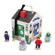 Melissa & Doug játék fa házikó 4 zárható ajtó-csengő-baba tartozékkal 2505