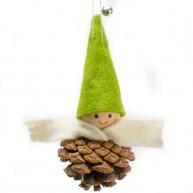 Karácsonyfadísz tobozfiú zöld sapkában és krém sállal 484372