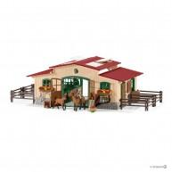 Schleich 42195 Lovasistálló lovakkal és kellékekkel