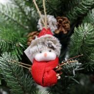 IMP-EX karácsonyfadísz tobozember piros szörmis sapkában sállal