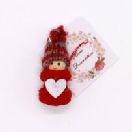 IMP-EX karácsonyfadísz kisfiú szivecskés kabátban csíkos sapkával