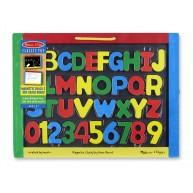Melissa & Doug mágneses rajztábla és felíró betűkkel, számokkal, krétával 145