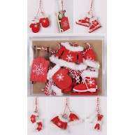 Karácsonyfadísz fából, piros, szőrmével díszített  10db-os szett 456767