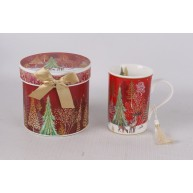 Karácsonyi ajándékbögre piros díszdobozban fenyőkkel díszítve 183287