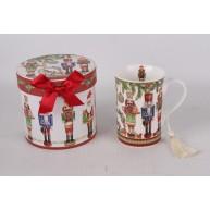Karácsonyi ajándékbögre diótörős, díszdobozban diótörőkkel mintázva 183288